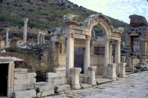 ephesus_hadrian temple